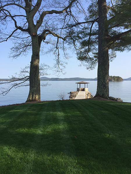 Organic lawn care and landscaping services in Sunapee NH lakeside